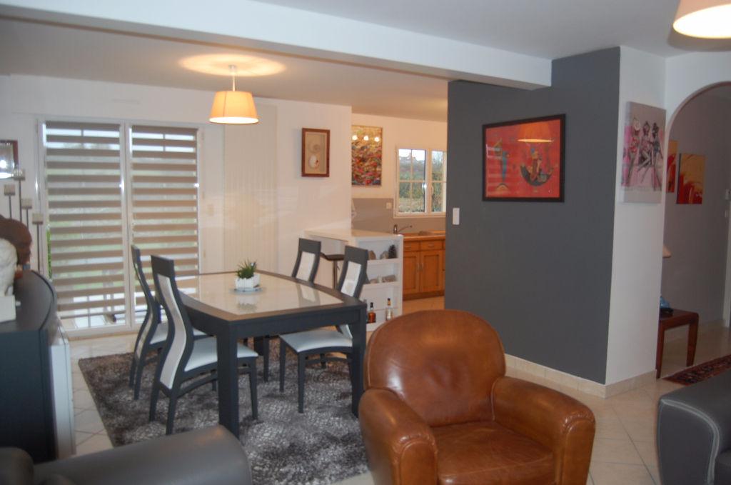 UNE VISITE S'IMPOSE pour cette Maison à Plouhinec 5 pièce(s) 127 m2