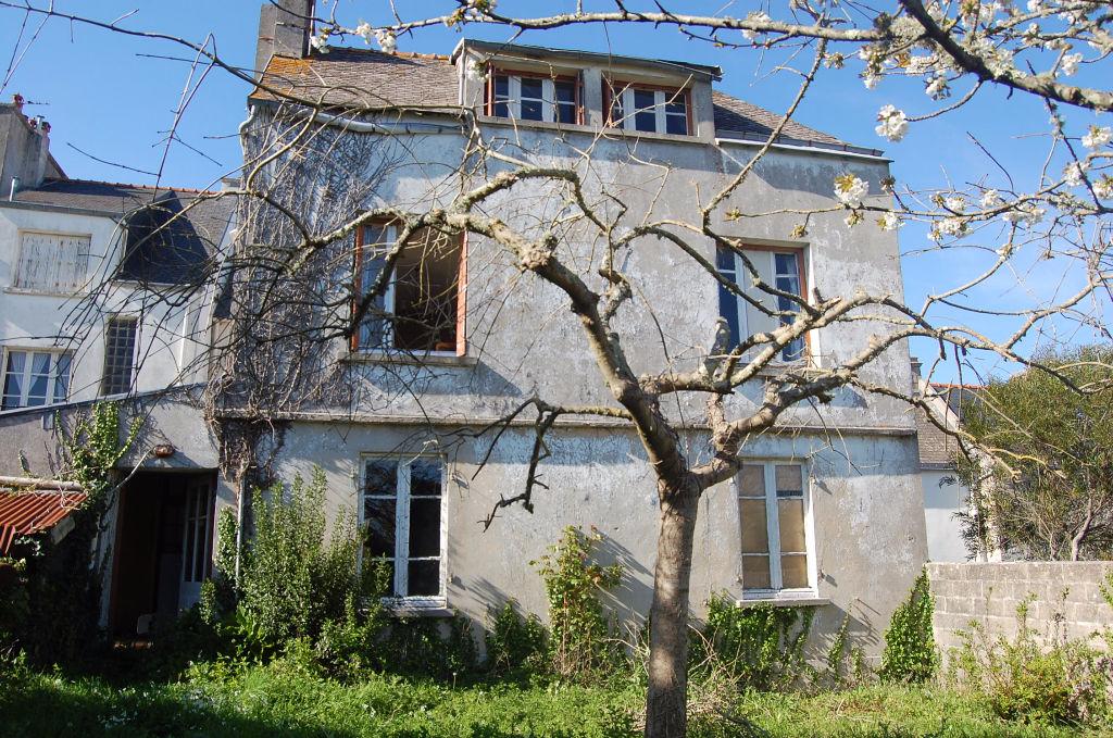 Maison à rénover sur PLOUHINEC